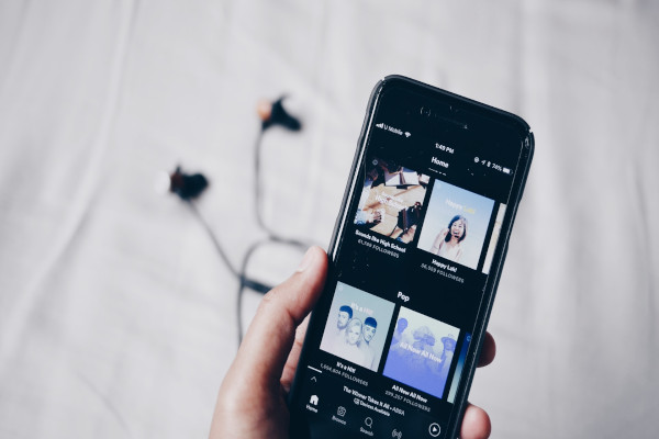 Spotify Welcomes Paid Podcast Subscription Feature