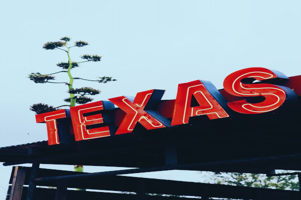 Texas Governor To Allow Handgun Carrying With No Background Check or Permit