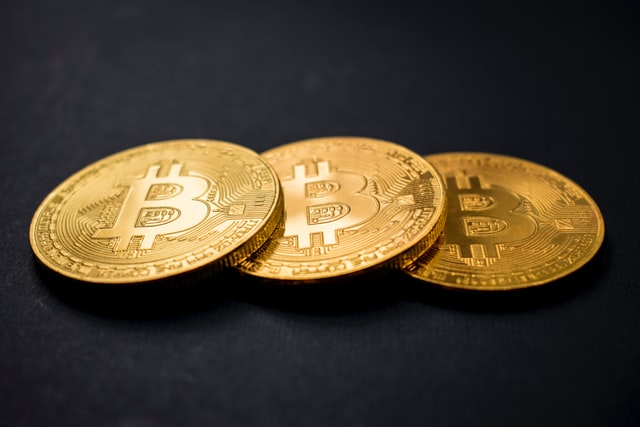 Bitcoin Loses This Year's Gains and Sinks Below $30,000